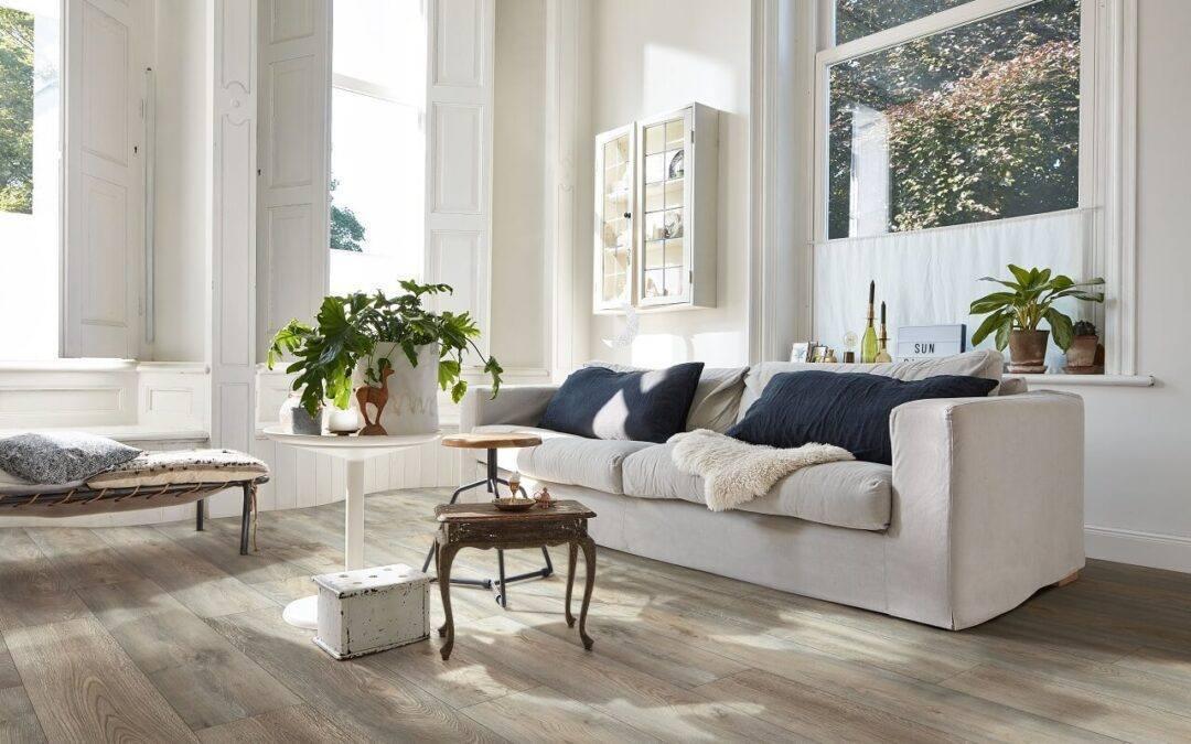 Jak wybrać panele do salonu? – sposoby i możliwości doboru