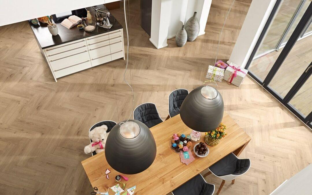 Podłoga w stylu glamour – jakie panele wybrać?