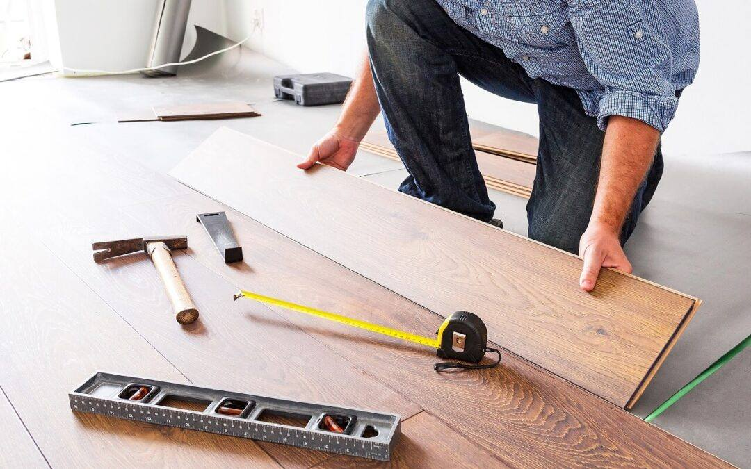 Jak obliczyć koszt położenia podłogi?